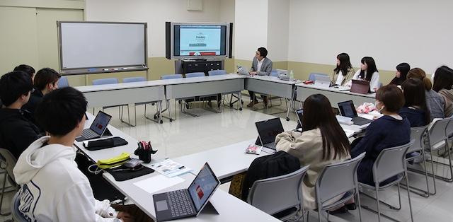 演習型講座『「感謝」に関する学外フィールド学習』授業風景